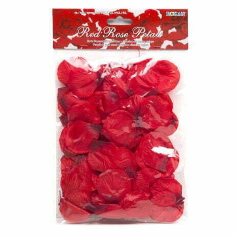 rosenblad-röda-tyg-kärlek